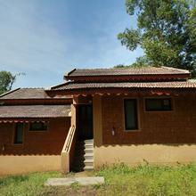 Oyo 19504 Phalguni River Lodge in Thumbe