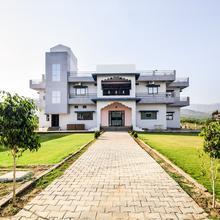 OYO 19758 Hotel Narayani Palace in Rohera