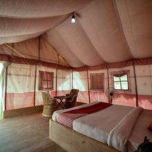 Oyo 19863 Ratnawali Camps in Dedha