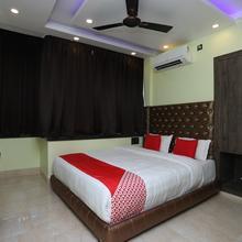 Oyo 19964 Balaji Aspiring Inn in Champahati