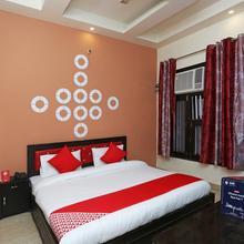 OYO 19966 Angel Pink Residency in Ghaziabad