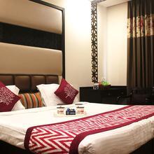 Oyo 2009 Hotel Royale Residency in Agra
