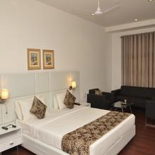 OYO 2037 Hotel Manor in Aurangabad