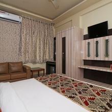 Oyo 2046 President Hotel in Kanpur
