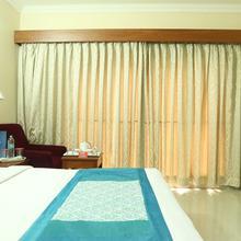 OYO 2077 Hotel Raj Park in Tirupati