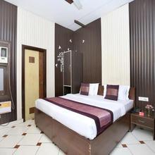 OYO 2130 Hotel Hk Continental in Amritsar