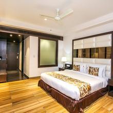 Oyo 22010 Hotel Stella Continental in Goraya