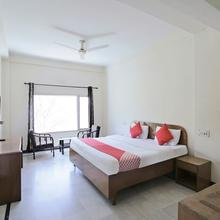 OYO 22122 Hotel Falcon Crest in Solan