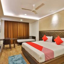 Oyo 22254 Hotel Royal Square in Nadiad