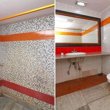 Oyo 22269 Hotel Landmark Plaza in Mahishadal