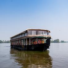 OYO 22272 Houseboat Anugraha 8 Bhk in Alappuzha