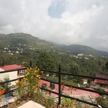 Oyo 22303 Roopanshi Cottage in Bhimtal