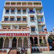 OYO 22400 Hotel Lichana Haveli in Jairampura
