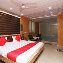 Oyo 22422 Hotel Ashish Park in Durg