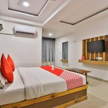 OYO 2252 Hotel Mukund in Sanand