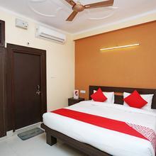 OYO 22654 Hotel Rose & Petals in Muradnagar