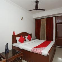 OYO 22689 Hotel United Inn in Vijay Pur