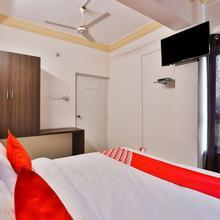 Oyo 22751 Hotel Vishwas in Kandla
