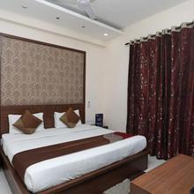 OYO 2290 Hotel Cosy Tree in Noida