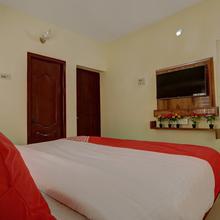 Oyo 22924 Gv Residency in Naduvattam