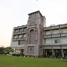 Oyo 22973 Hotel Shiva Inn in Bilaspur