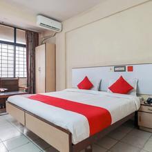 OYO 23083 Hotel Hindustan Deluxe in Mangalore