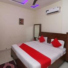 Oyo 23324 Hotel Delight in Samana