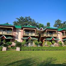 OYO 23390 Ruposhi Bangla Eco Resort Deluxe in Nagrakata