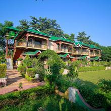 Oyo 23390 Ruposhi Bangla Eco Resort in Chalsa