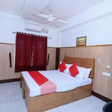 Oyo 23393 Annapoorna Rooms & Services in Kuravalangad
