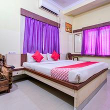 Oyo 23435 Meera Palace in Deoghar