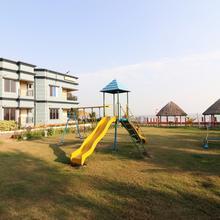 Oyo 23451 Arya Beach Resort in Contai