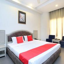 Capital O 23498 Hotel Jane Royale Deluxe in Phillaur