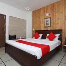 OYO 2356 Hotel Gian Residency Deluxe in Karnal