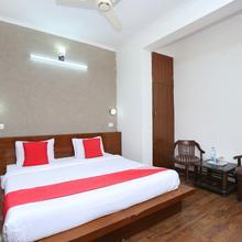 Oyo 23580 Hotel The Grand in Baddi
