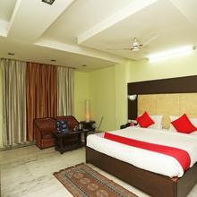 OYO 23661 Hotel Swagat Palace in Bhiwadi