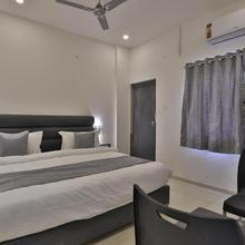 OYO 23669 Nova Hotel New Crossroad in Rajkot