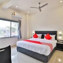 OYO 23669 Nova Hotel New Crossroad in Rajkot