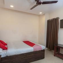 Capital O 24305 Hotel Lions India in Guduvancheri