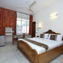 OYO 2431 Hotel Skylark in Chandigarh