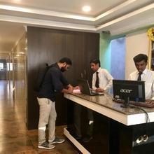 Oyo 24311 Sai Sasi Residency in Chennai