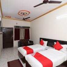 OYO 24654 Hotel Buddha Suite in Kushinagar