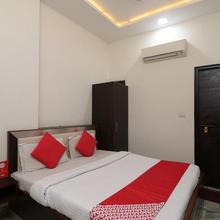 OYO 24723 Hotel Atul Palace in Agra