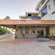 OYO 24988 Hotel Samudra Theeram Deluxe in Wair Badshahpur