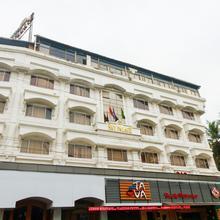 Oyo 25010 Hotel Sky Palace in Mulappilangad