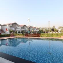 Oyo 25049 Nilansh Theme Park, Villas & Farmhouse in Lucknow
