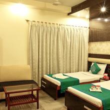 OYO 2512 Pallavi International Hotel in Alipore