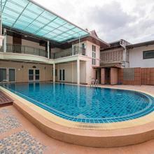 OYO 257 Sea Paradise Hotel in Phla