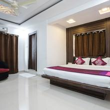 OYO 2572 Hotel Galaxy Park in Indore
