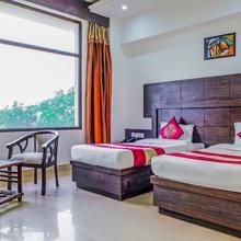 OYO 2611 Madhu Resorts in Achhnera